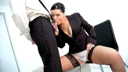 Смотреть Секретарши онлайн